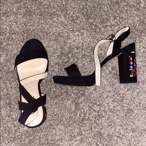 Woman's heel size 10/11 Sophie17 brand. Worn once